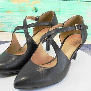 Naturalizer Okira Black Leather Heels 8 WIDE